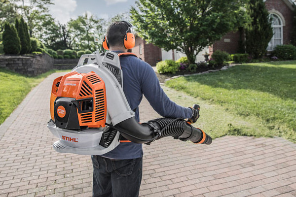 Stihl | Blowers & Shredder Vacs | Professional Blowers for sale at Carroll's Service Center